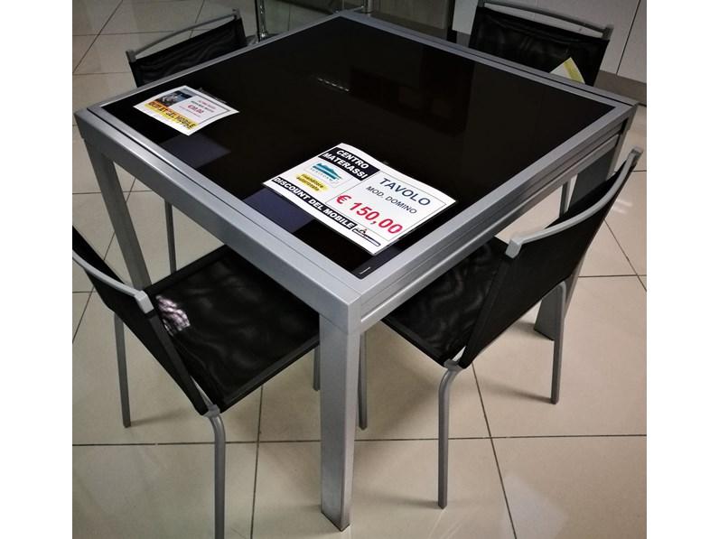 Tavolo quadrato a quattro gambe dama di target point for Mercatone dell arredamento di fizzonasco