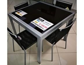 Tavolo quadrato a quattro gambe Dama di Target point