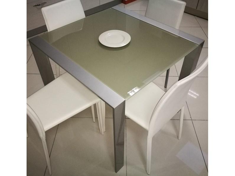 Tavolo quadrato in vetro cometa di target point in offerta for Mercatone dell arredamento di fizzonasco