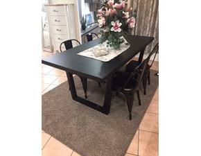 Tavolo rettangolare a quattro gambe Laccato opaco nero Giessegi scontato