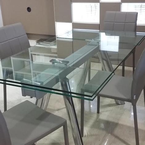 Tavolo rettangolare allungabile in cristallo tavoli a for Tavoli in cristallo
