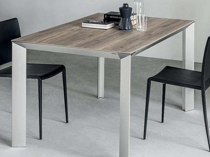 Tavoli Allungabili Moderni Outlet.Tavolo Rettangolare In Laminato Tai Scavolini In Offerta Outlet
