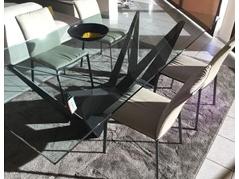 Tavolo rettangolare in vetro skorpio fisso cattelan in for Tavolo design outlet