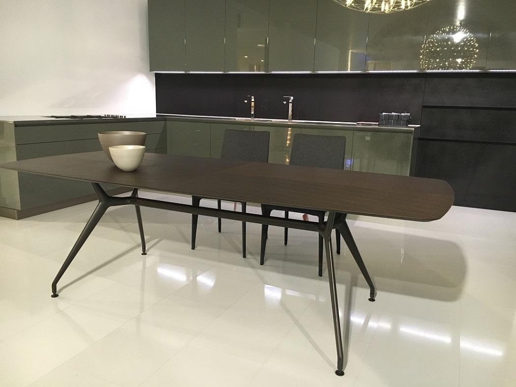 Tavolo rimadesio manta scontato del 40 tavoli a - Tavoli in cristallo prezzi ...