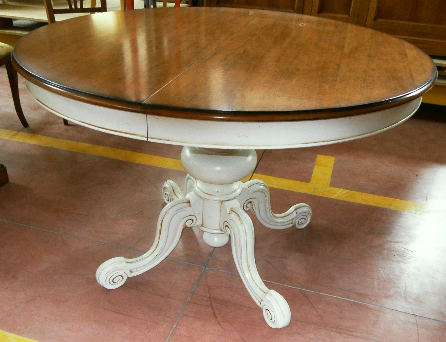 Tavolo rotondo allungabile scontato del 50 tavoli a for Tavolo bianco rotondo allungabile