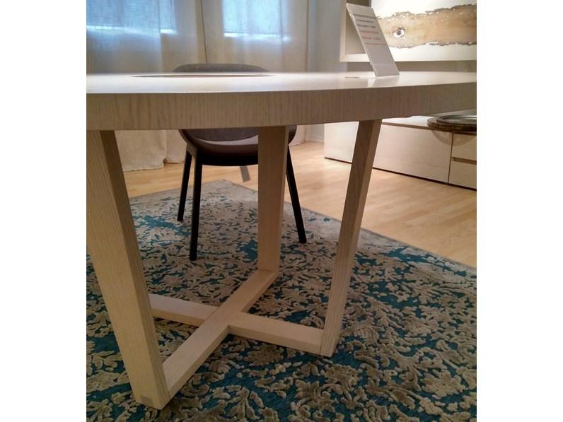 Tavolo rotondo con basamento centrale perla cenedese scontato - Tavolo rotondo con piede centrale ...