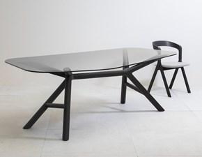 Tavolo sagomato con basamento centrale Otto Miniforms scontato