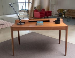 Tavolo sagomato in legno Saffo Porada in Offerta Outlet