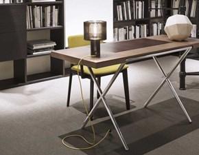 Tavolo scivania con basamento a quattro gambe Novelist Lema
