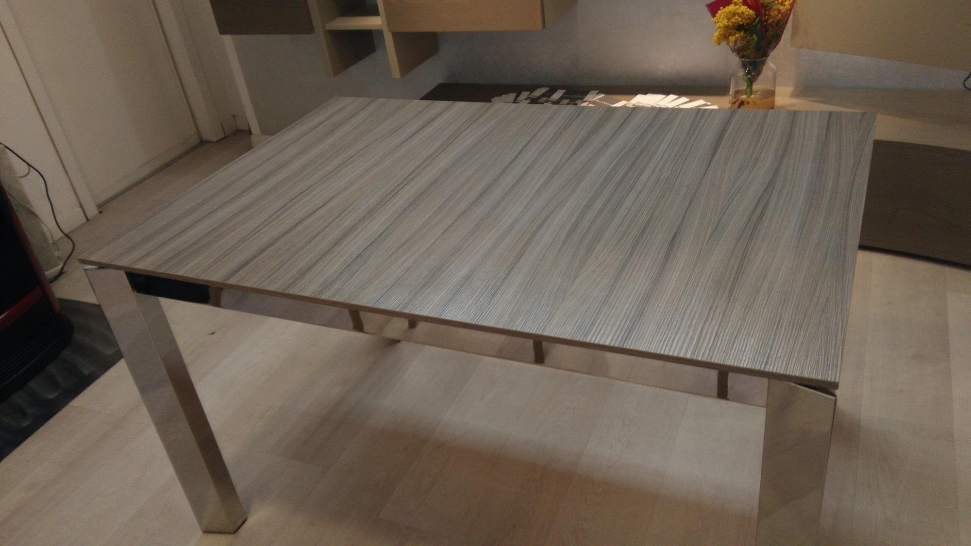 tavolo scontato modello baron di calligaris allungabile