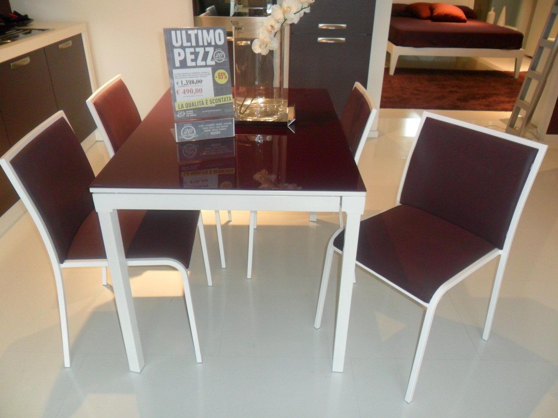 Tavolo sedie da expo tavoli a prezzi scontati for Sedie da tavolo