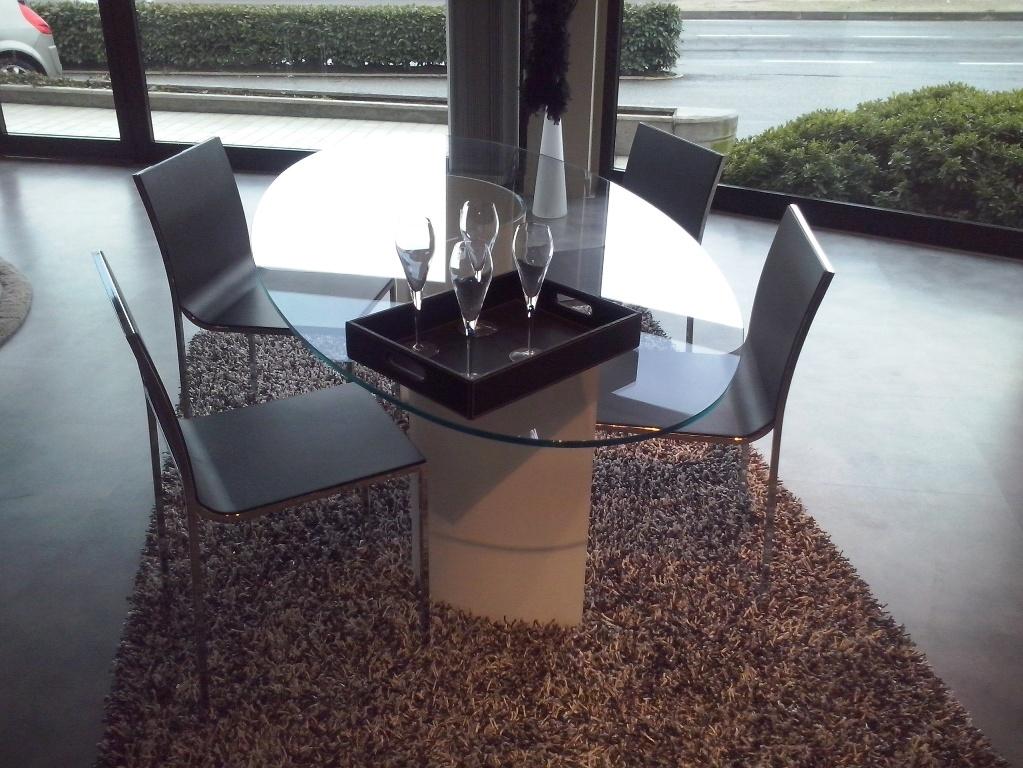 Tavolo ovale in vetro con sedie tavoli a prezzi scontati - Tavolo riunioni ovale vetro ...