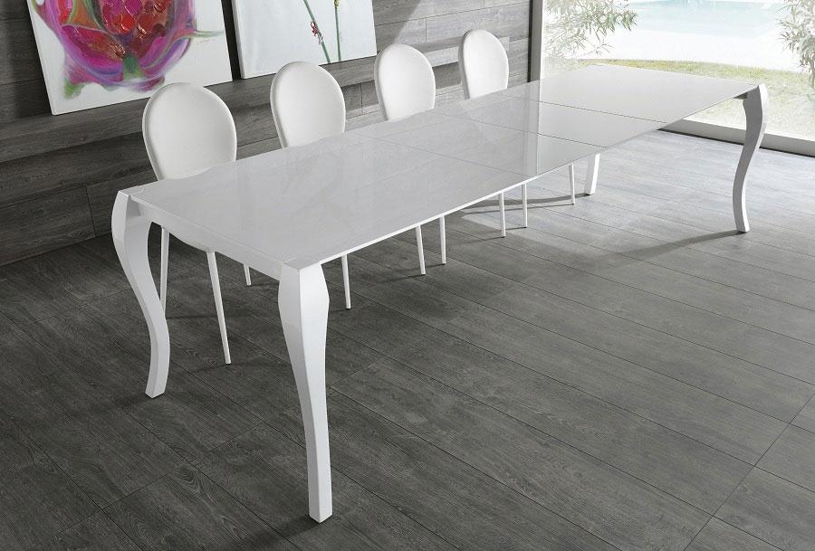 Tavolo modello shining di stones tavoli a prezzi scontati for Tavolo bianco lucido