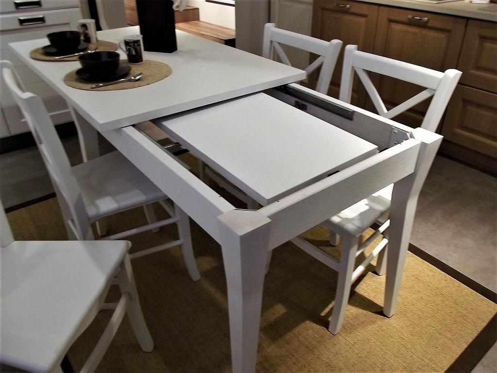 Tavolo allungabile york 4 sedie stosa cucine scontato del for Tavolo allungabile con sedie a scomparsa
