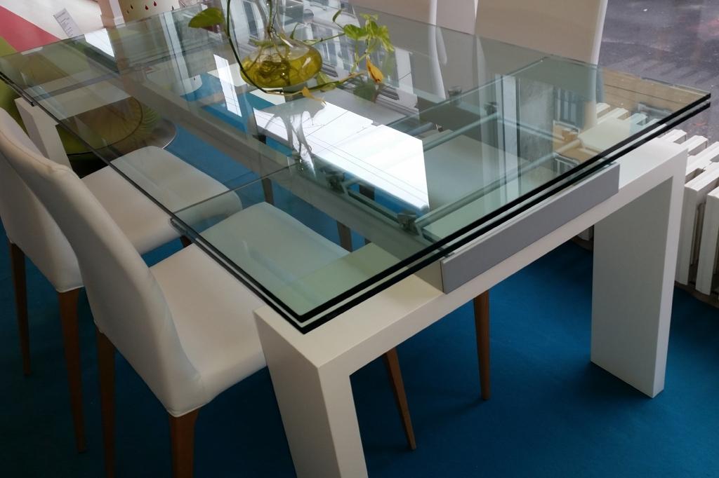 Tavolo Allungabile Vetro Moderno Brooklyn : Tonin casa tavolo brooklyn scontato tavoli a prezzi scontati