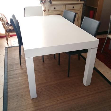 Tavolo zamagna in legno bianco allungabile scontato del 50 for Tavolo legno frassino