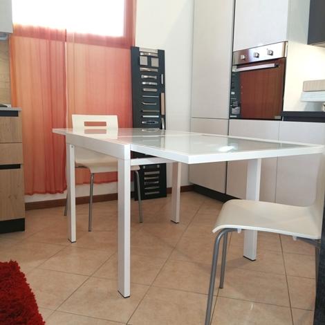 Zamagna tavolo quadrato in vetro bianco scontato tavoli for Tavolo allungabile vetro bianco